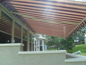 RETACTABLE AWNING 2